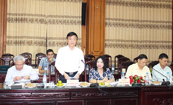 Minister Le Thanh Long paid a working visit to Thai Binh Department of Justice