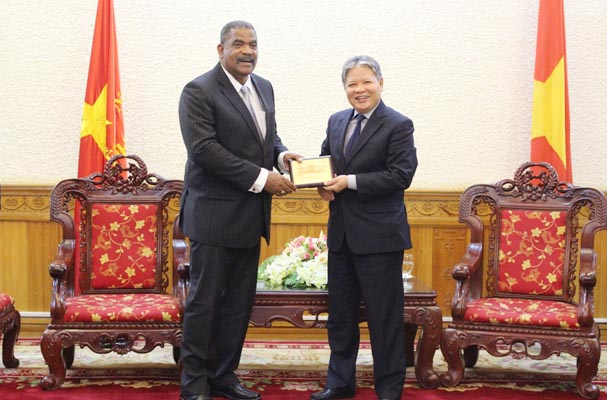Promoting exchange and sharing of legal and judicial experience between Vietnam and Cuba